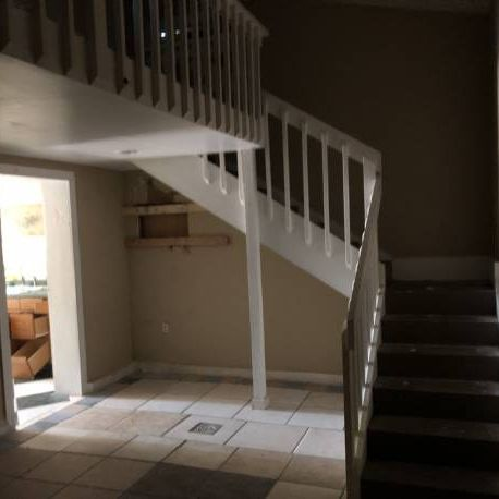 Luxury Renovation in Downtown WPB; w/ Guest House!