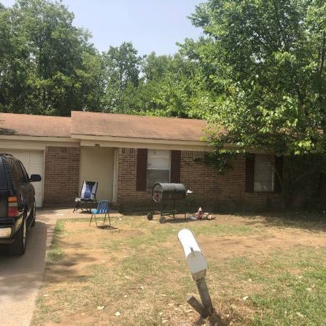 Off-Market Ft Worth Two-House Package Deal (2/2).