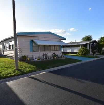 Not in MLS: Mobile Home w Land in Largo FL.