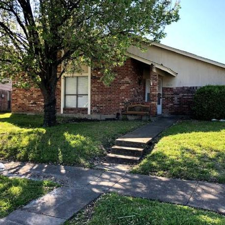 Garland 3/2/2 Fixer-Upper - Flip Or Rental!