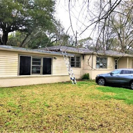 Great Single Family Property in Hitchcock, Texas!