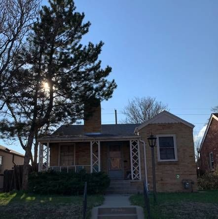 Nice Size Home in Clayton Needing an Update.