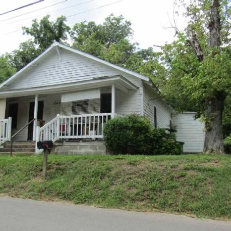 Great Cash Flowing Property in Griffin.