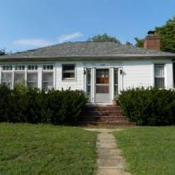 Cosmetic Rehab, 1.4 acres In Severn!