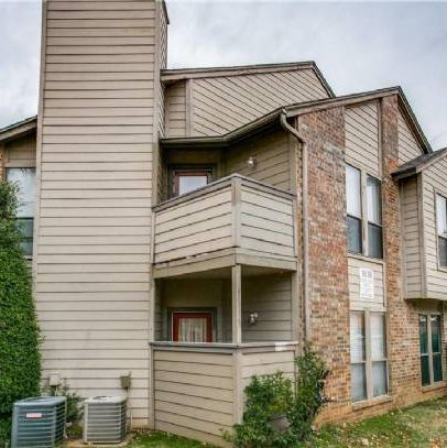 Turnkey Rental Ready Condo in Central Arlington.