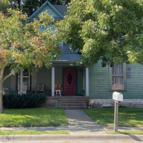 Great Opportunity in Historic Original Weatherford.