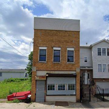 Commercial Property For $135K!