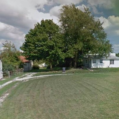 Property with Extra Lot Size in Anderson, IN.
