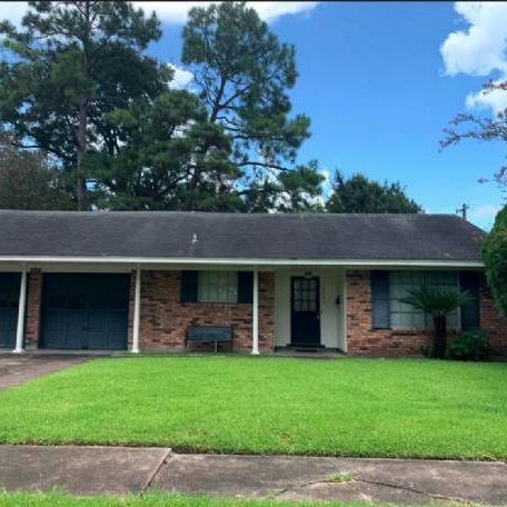 Hot Off Market Deal In Hobby Area 77017!